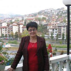 """Детелина Денчева: Учебниците ни по """"История и цивилизация"""" са сухи и скучни"""