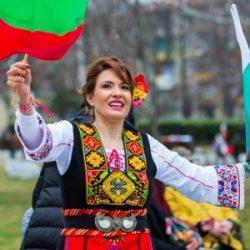 """Магическата сила на """"българската йога"""" - хорото"""