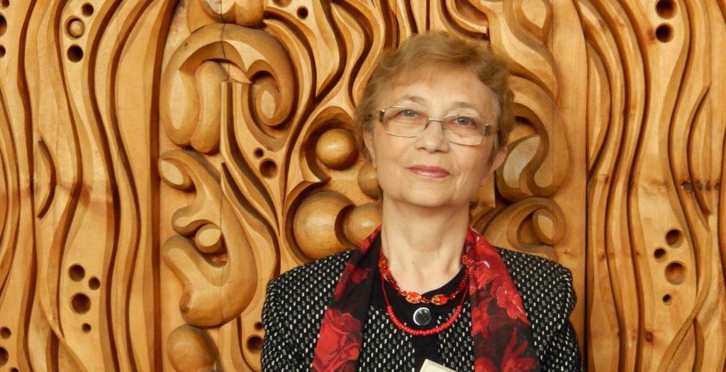 Неда Антонова: Народът е дете, което иска да чете книги, в които е главен герой