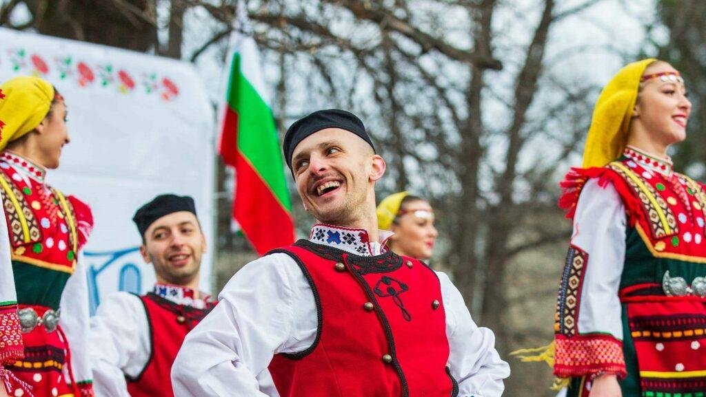 Радослав Тодоров: Трябва да се отнасяме с повече респект към фолклора – нашата традиционна култура